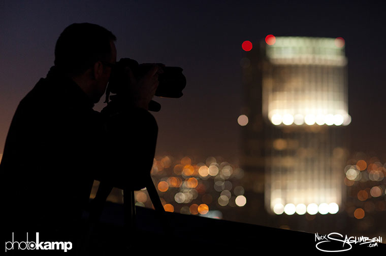 photokamp-nick-saglimbeni-2012-rooftop-skyscraper-shooting-night-shot-building-karim-tibari